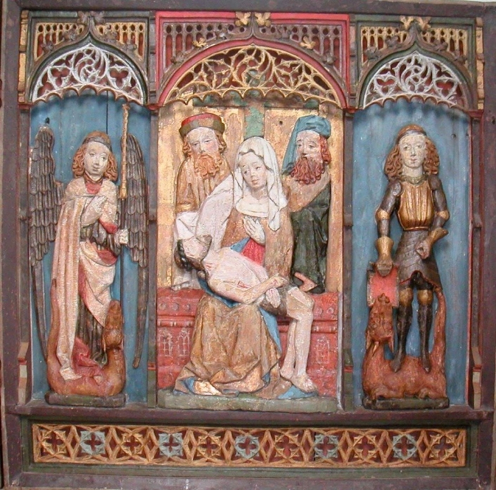 Finströmin kirkon alttarikaapin keskiosa konservoinnin jälkeen.